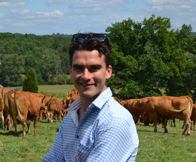 Head and shoulder photo of Robert Caird, Beef Extension Officer, DAF
